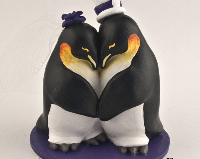 Penguin Wedding Cake Topper - Realistic Cuddling Penguins - Pick your Colors