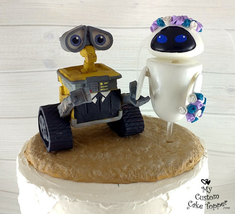 Wall E And Eve Wedding Cake Topper