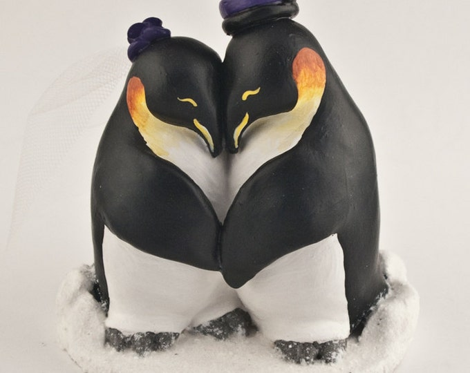 Penguin Wedding Cake Topper - Realistic Penguins Cuddling
