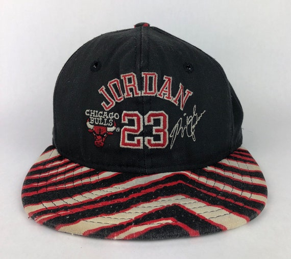 b50cc6e3384a1e Vintage RARE Michael Jordan Chicago Bulls Zubaz Snapback Hat