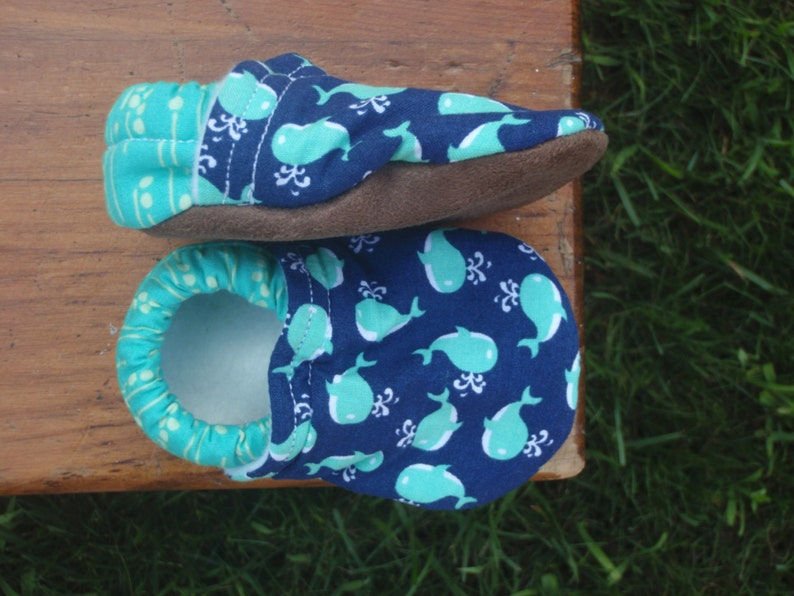Baby Shoes  Turquoise Little Whales on Navy Background  image 0