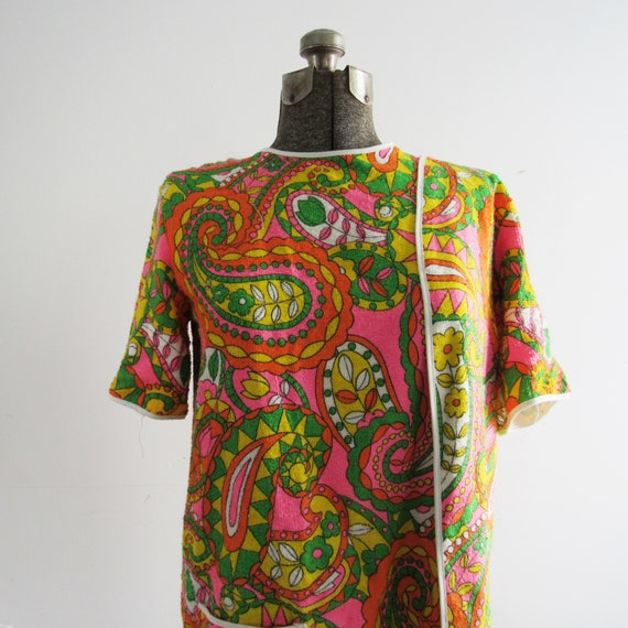 Vintage Cover Up / 1960's Paisley Print Cover up /