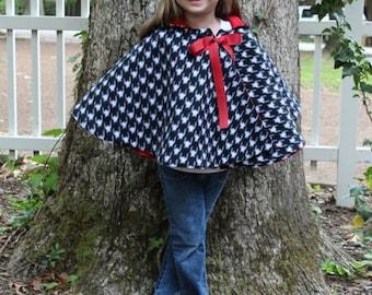 Cozy Hooded Cape pdf sewing pattern, cape sewing pattern PDF, christmas coat pattern, seamingly smitten, cape pattern girls pdf pattern