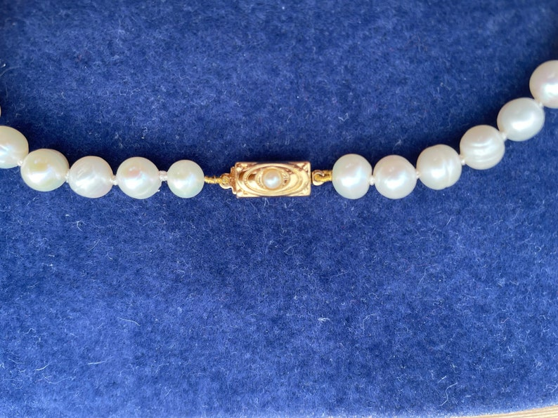 Classic Pearl chocker necklace gold plated clasp