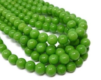 approx 5 x 5.5 mm 200 x vintage Opaque Green Glass Round Beads