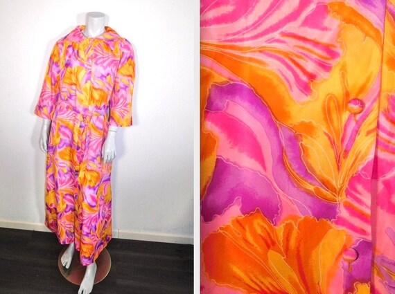 Vintage 1960s Psychedelic Saybury House Dress Robe