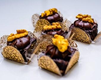 100 Candy Holder Paper 4 Petals Gold Net - Truffles wrapper - forminha para doces 4 petalas