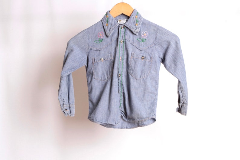 vintage kids 1960s embroidered SNOOPY chambray size 6 kids FLORAL long sleeve button down shirt