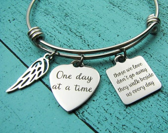 grief gift bracelet, for grieving mom wife sister grandma, sympathy gift, grieving jewelry, loss of loved one, remembrance gift for her
