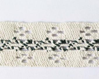 Offwhite + woodgreen bobbin lace, vintage austrian