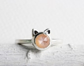 Pink Cat Ring,Peach Pink Moonstone and Sterling Silver, Cat Fine Jewelry,MADE TO ORDER
