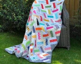 Domino modern patchwork quilt sewing pattern, PDF format, a simple quilt block, it's great for using scrap fabrics