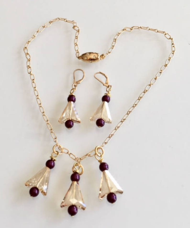 Gift Swarovski Triangles and Swarovski Pearls Necklace Set image 0