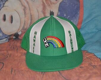 Vintage 1980 s UH Hawaii Rainbow Warriors Snapback!!! NCAA Trucker Hat!!! 800462cfb24a