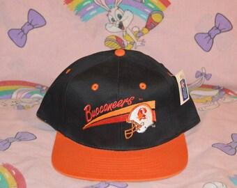 Vintage 1990 s Tampa Bay Buccaneers snapback!!! NWT Deadstock NFL Football Bucs  Hat!!! aab7f210fe4f