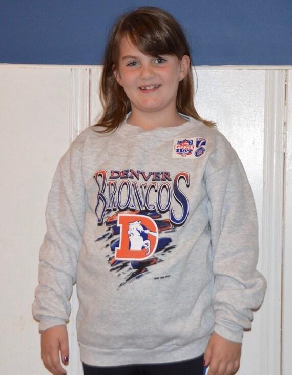 official photos 2e971 f148c Vintage 1990s NFL Denver Broncos Youth Sweatshirt!!! Soft Deadstock  Football Crewneck!!!