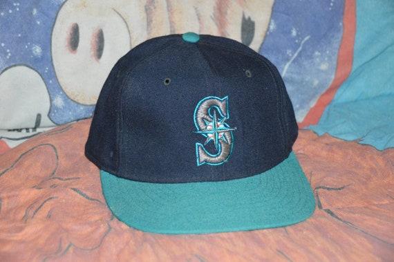 64f23383a38 Vintage 1990 s Seattle Mariners New Era Pro Model MLB