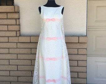 Vintage 60s 70s White Lace Maxi Dress w/Pink Ribbon Bows Prom Wedding Dress Extra Small XS