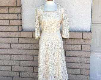 Vintage 40s 50s Lace Dress Vintage Ecru Wedding Dress Midi Length Large