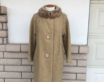 Vintage 60s Caramel Boucle Nubby Dress Coat w/Mink Fur Collar Size Large