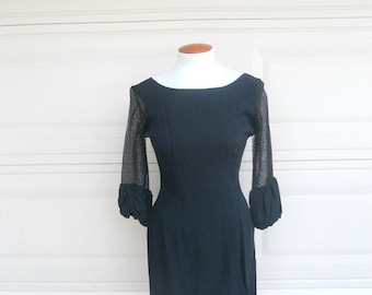 Vintage 60s Mini Little Black Dress w/Hour Glass Shape & Low Back Small