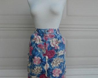 SALE 80s Floral Denim Skirt in Pink & Blue Print S-M