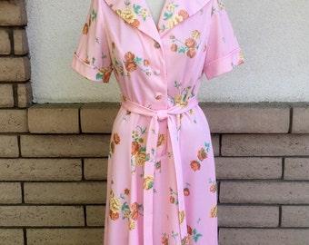 Vintage Shirtwaist Dress, 60s 70s Pink Dress, Floral Dress w/Belt Size M-L