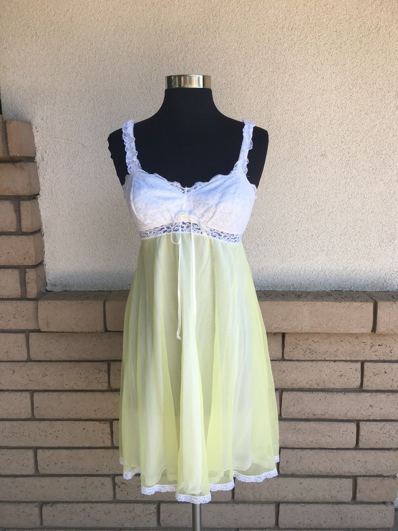 Vintage 60s 70s Baby Doll Nightgown Yellow White Lace Chiffon Nightie Mini  Lengt... Vintage 60s 70s Baby Doll Nightgown Yellow White Lace Chiffon  Nightie ... 9d1e90ec5