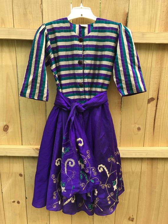 Vintage Ladies Keizer 60s Ethnic Full Skirt Dress