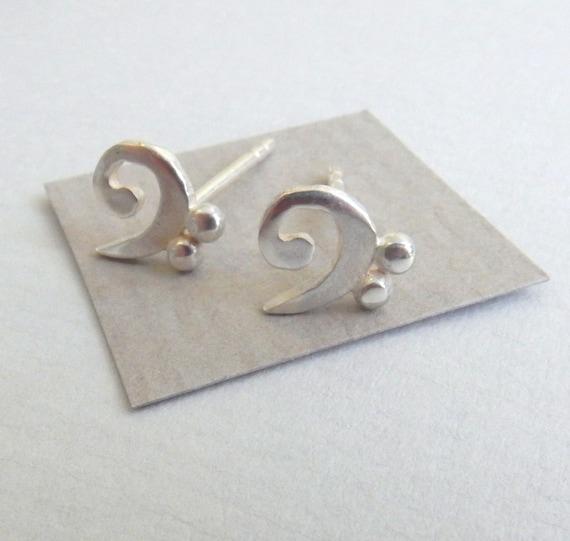 Silver Bass Clef Stud Earrings HY7lm