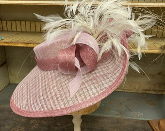 Blush Pink Kentucky Derby Hat With Ivory Feather Spray.  Wide Brim Hat, Sinamay Headpiece Hat, Large Kentucky Derby Hat, Ascot, Oaks