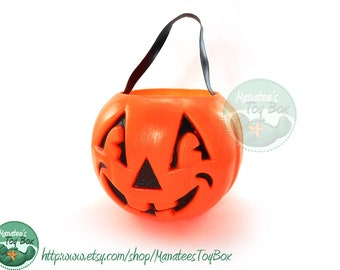 Vintage Halloween Pumpkin Bucket / Pail for Trick or Treating