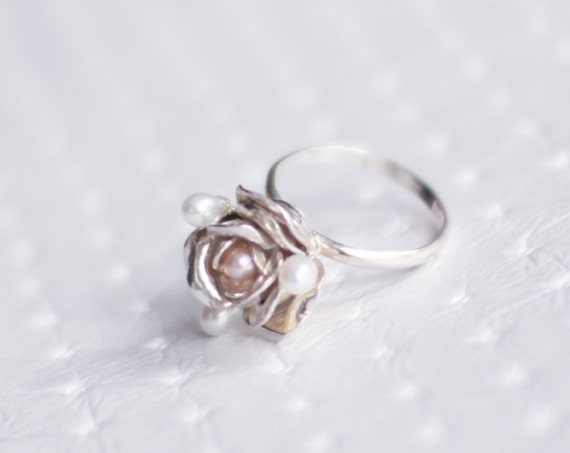 Silver Rose Ring, Fresh Water Apricot Pearl, Victorian Flower Ring, Elegant Ring, Gift For Bride, Bridal, Flower Jewelry, Romantic Pearl