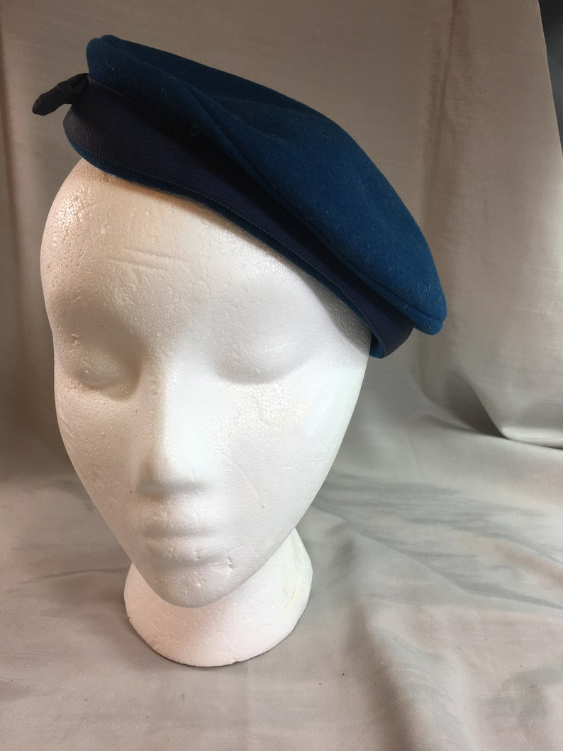 Vintage Dark Blue Wool Pill Box Hat by Merrimac Hat Corp with Navy Blue Bow and Ribbon Trim Made in USA Medium Inside Circumference 20.75