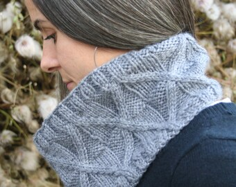 Cable Bulky Cowl PATTERN