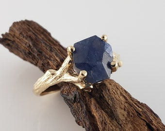 4.5ct Hand Cut Blue Sapphire Twig Ring Setting in 14k Yellow Gold by Dawn Vertrees