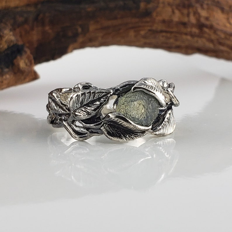 14k White Gold Raw Green Sapphire Leaf and Twig Wedding Band image 0
