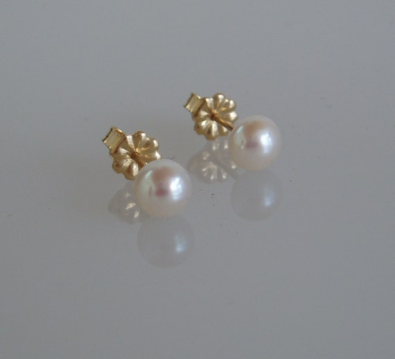 White Freshwater Button Pearl Earrings with 14k Yellow Gold Threaded  Post