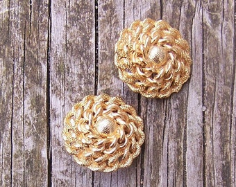 122a974f1be9bc vintage 80's fancy gold plated chain link clip earrings