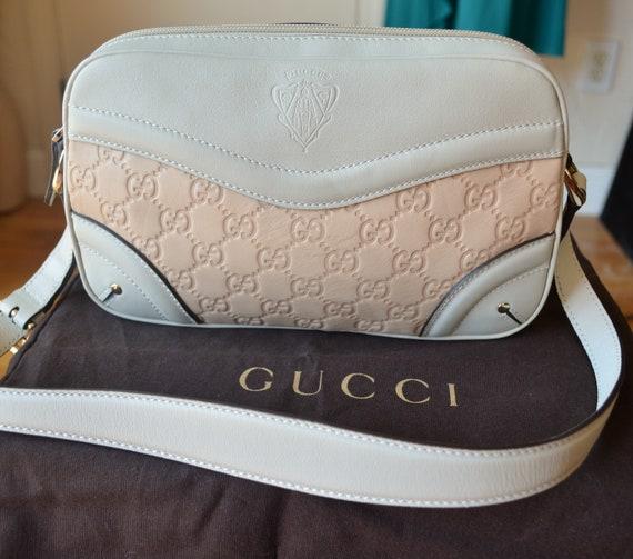 4bd524c18e4 Vintage GUCCI beige leather hysteria monogram shoulder bag