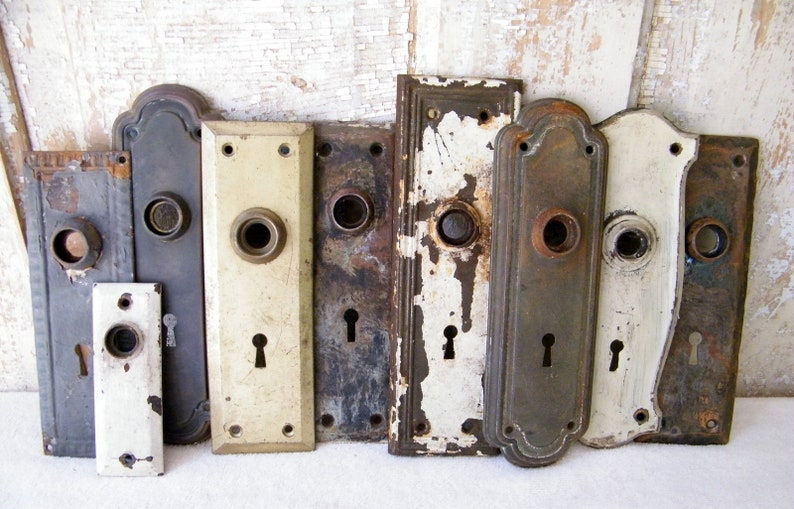 Old Vintage Door Knob Escutcheon Backplates Salvage Reclaimed Door Hardware  9 Pieces Restore Renovate Crafts Repurpose