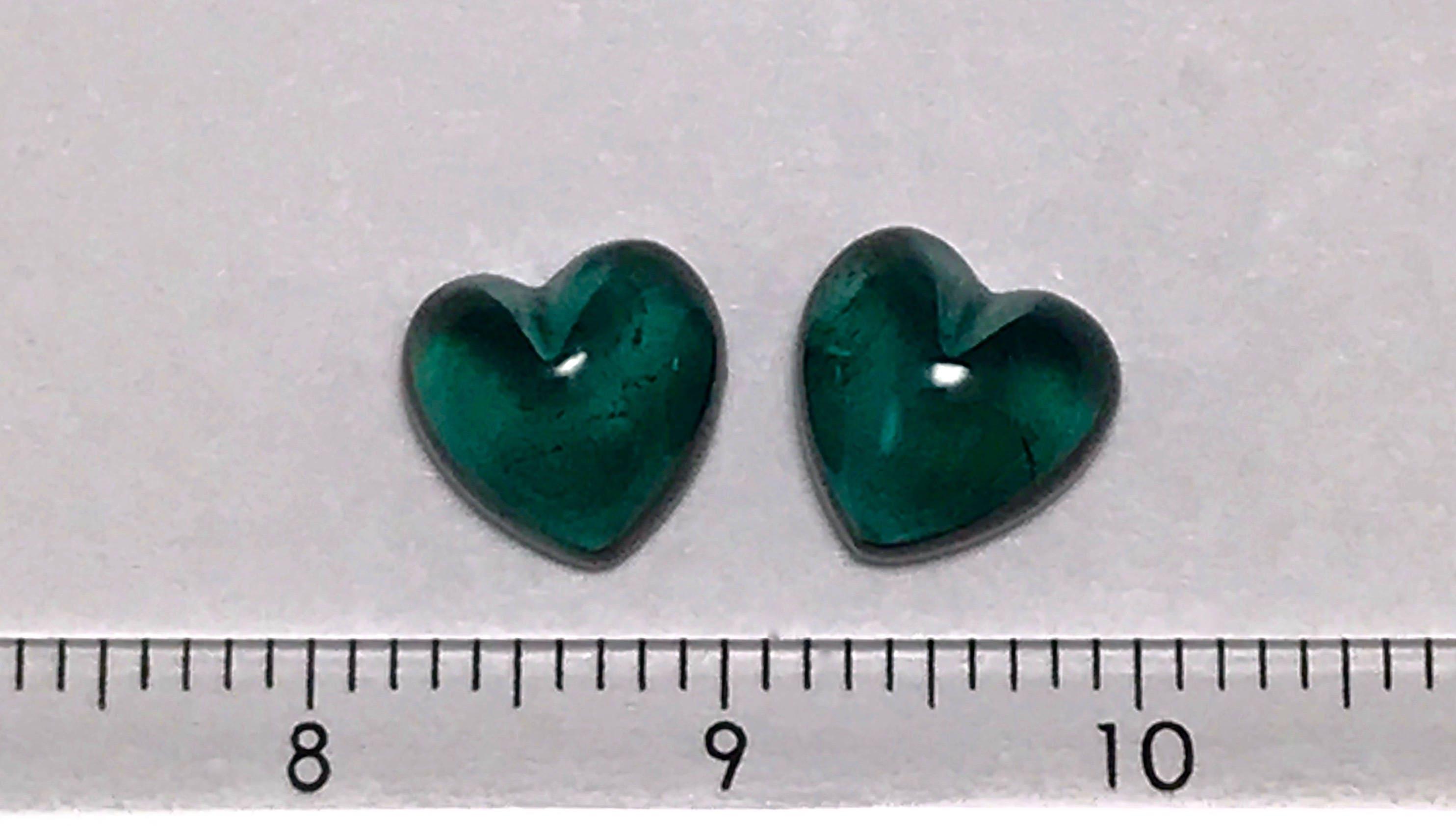 Vert bleu Tourmaline Tourmaline bleu coeur forme Cabochon paire, 4,4 cts, la Saint-Valentin, boucles d'oreilles, cabochon en vrac, pierres précieuses en vrac 4eb33f
