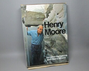 Henry Moore book in slipcover John Hedgecoe 1968 , Simon and Schuster , 532 pages .