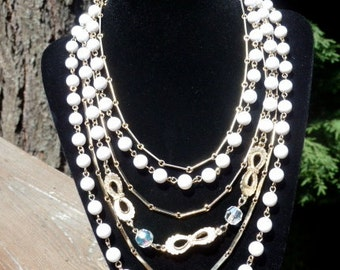 1960's layered necklace- White and gold
