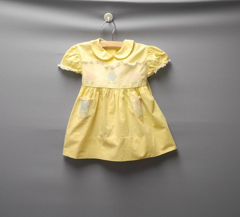 0bc3bc84e00d Vestiti del bambino dell annata 1950   s giallo e