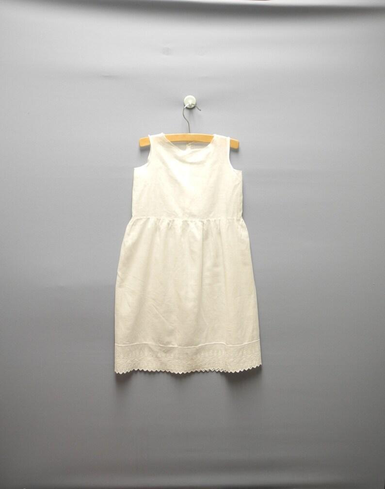 1842c6ed4e9 Vintage babykleding, 1920 handgemaakte wit geborduurde Baby meisje Shift  jurk, witte Baby kleding, Vintage Baby jurkje, grootte 3T