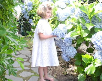 Vintage Baby Clothes, 1950's Ivory Lace and Chiffon Baby Girl Dress, Vintage Girl's Dress, Lace Baby Dress, 1950s Girl's Dress, Size 5T