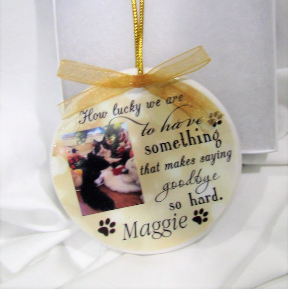 Pet memorial Christmas ornament- a great all year round sympathy gift