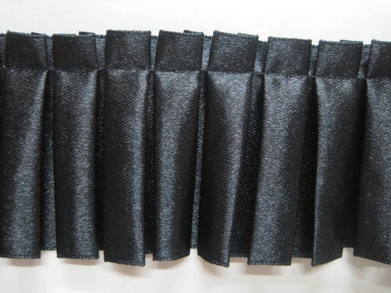 Black Pom Pom Braid   1 Metre   Sewing//Costume//Crafts//Corsetry