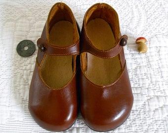 b3d6723dac1d6 1950 s Français Antique cuir filles - Mary Jane enfant - enfants Français  romantique chaussures Charles IX prune. myfrenchycottage. en France